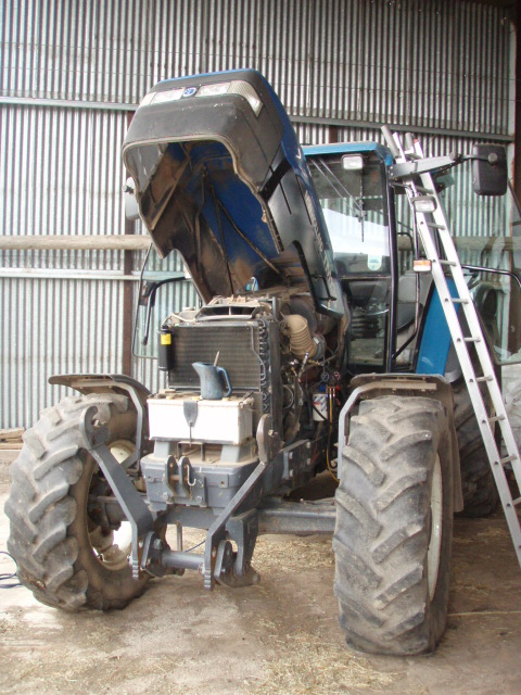 New Holland TM135 Tractor
