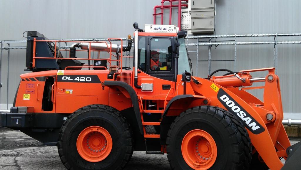 Doosan DL420 wheel loader with over pressure system