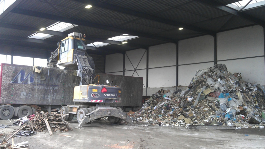 Volvo wheeled ,high reach cab recycling excavator