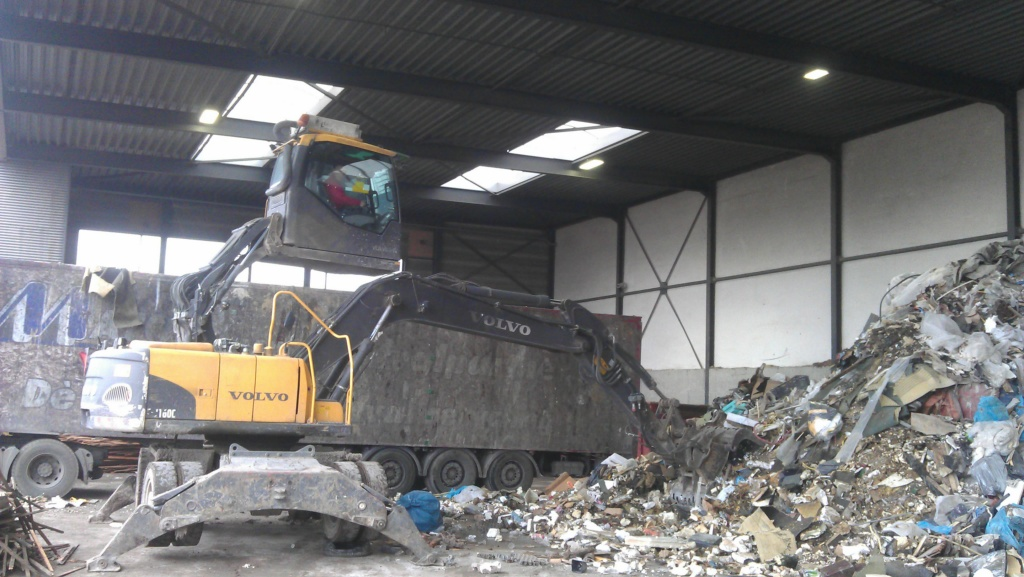 Recycling Volvo High reach cab Excavator with Arctic Air filtration protection.